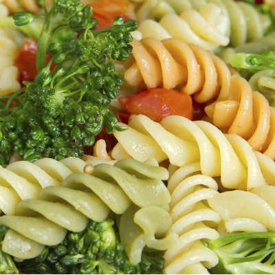 La pasta es una buena fuente de carbohidratos simples - Foto: Getty Images