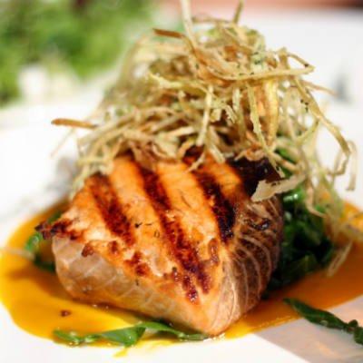El salmón es el tercer alimento con más omega 3 - Foto: Getty Images