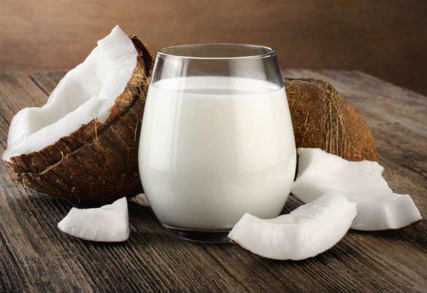 La leche de coco es un gran aliado para recetas más saludables - Foto: Shutterstock