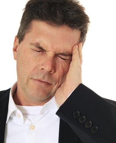 hombre con dolor de oído - Foto: Getty Images