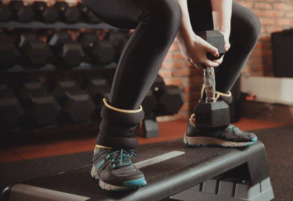 Ejercicios de piernas: espinilleras - Foto: Shutterstock