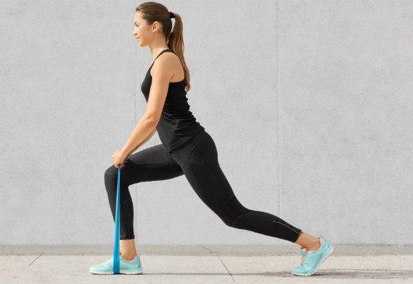 Ejercicios para las piernas: elásticos - Foto: Shutterstock